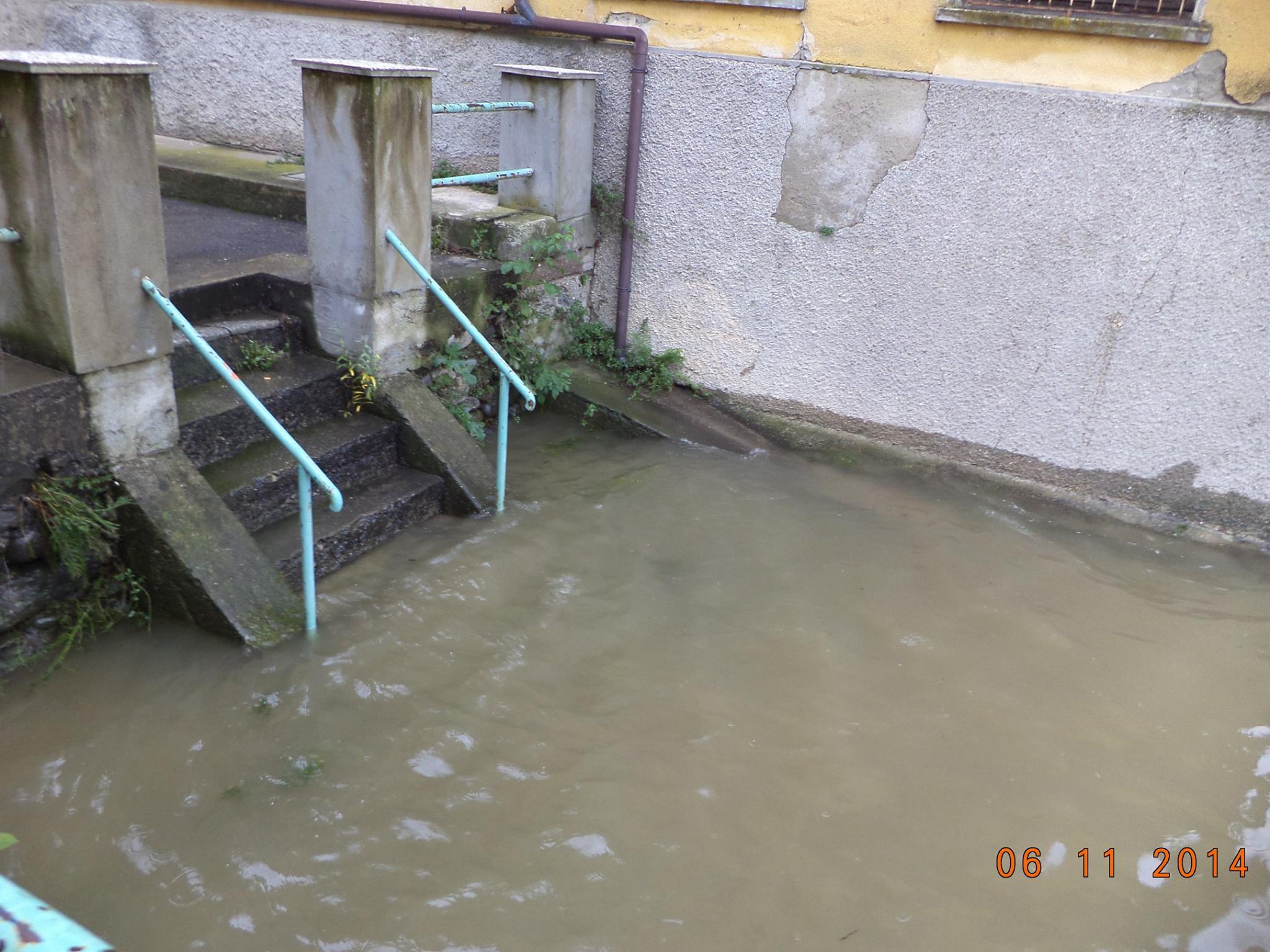 La situazione di questo pomeriggio a Luino (Foto © Pietro Agostinelli - facebook.com)