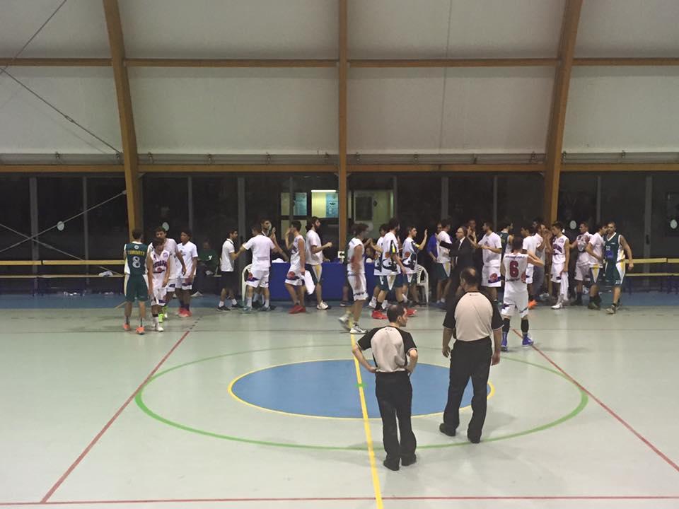 Basket, la PVL non ribalta il pronostico: il derby varesotto va allo Sportlandia Tradate, che vince meritatamente