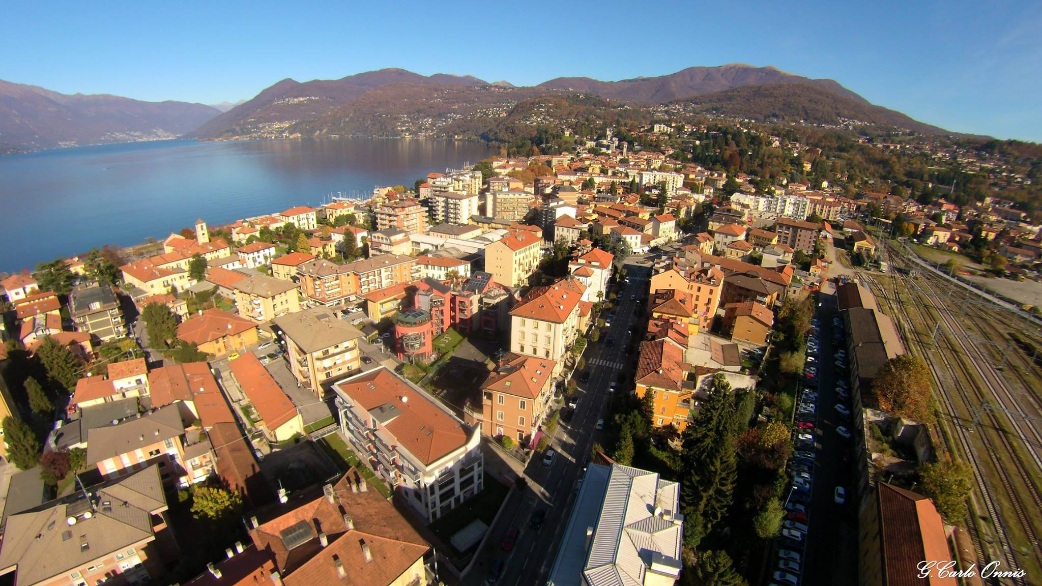 Panorama di Luino (Foto © Giancarlo Onnis)