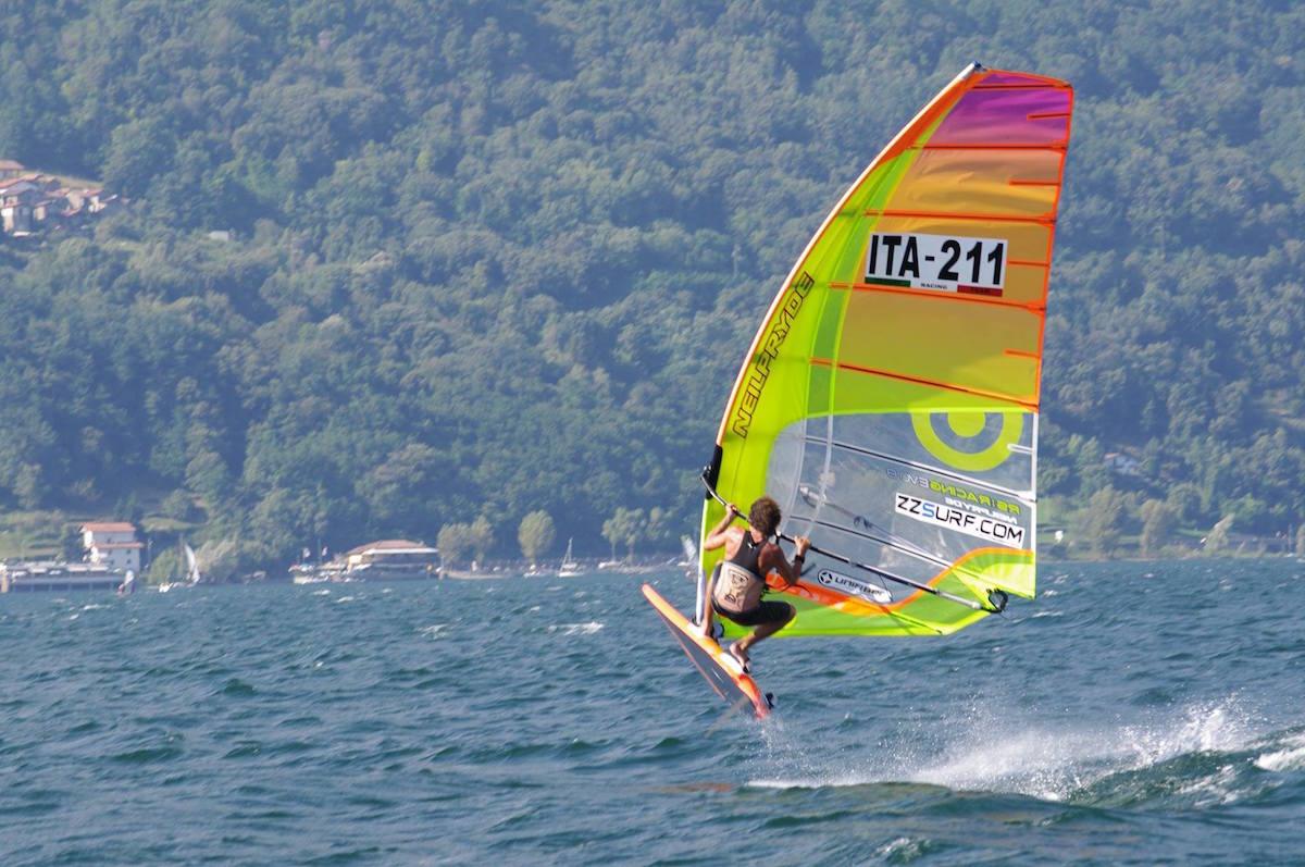 """Windsurf, """"Slalom NordOvest 2016"""": è il luinese Christopher Frank a conquistare il titolo"""