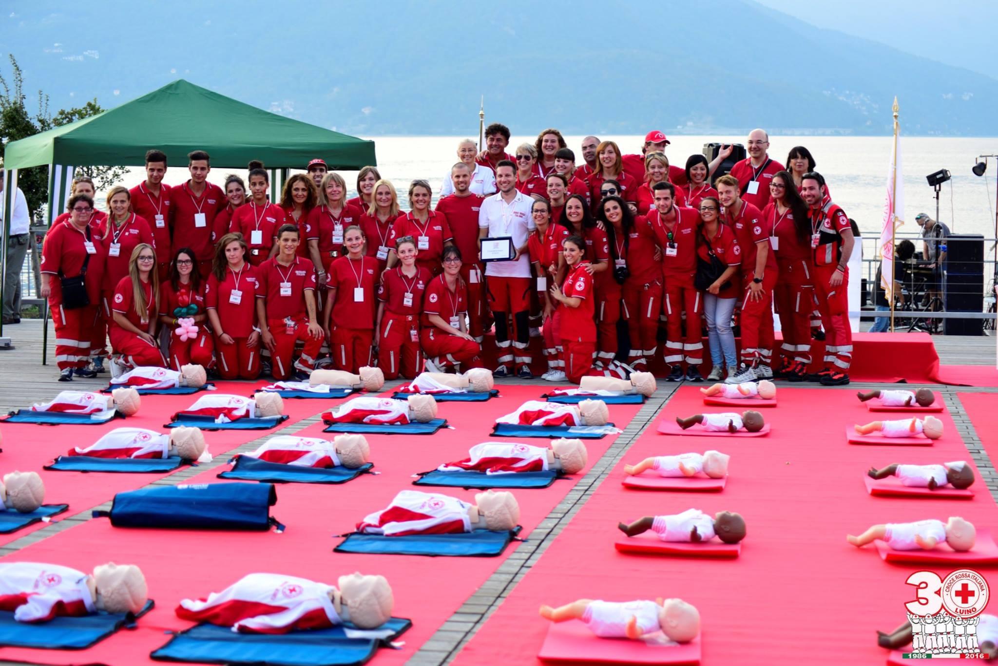 Croce Rossa Luino si conferma protagonista: messaggio forte di unità per una festa tra la gente per la gente