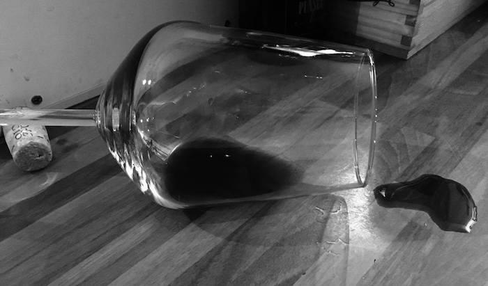 """Luino, """"Al Cantinone"""": """"Sorsi di lettura"""", una serata noir a base di storie, gusto e vino"""