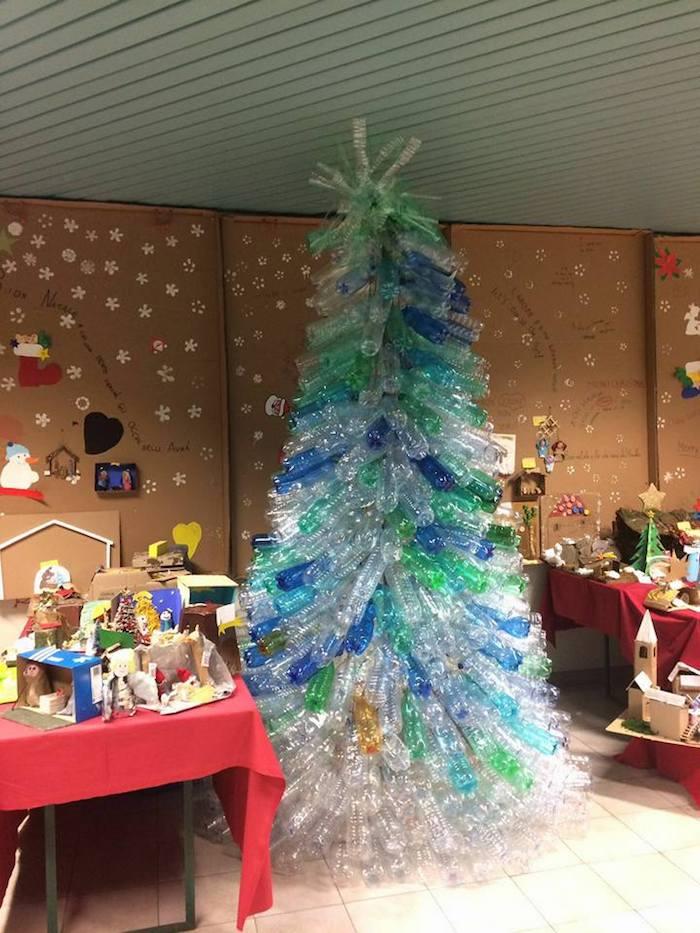 Alla scuola primaria di Cuvio è un Natale di riciclo. Originale l'iniziativa di insegnanti e bimbi