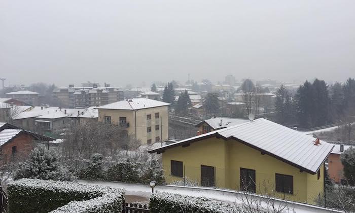 (La foto è stata scattata da una nostra lettrice, Laura Berutti, tra Luino e Germignaga)