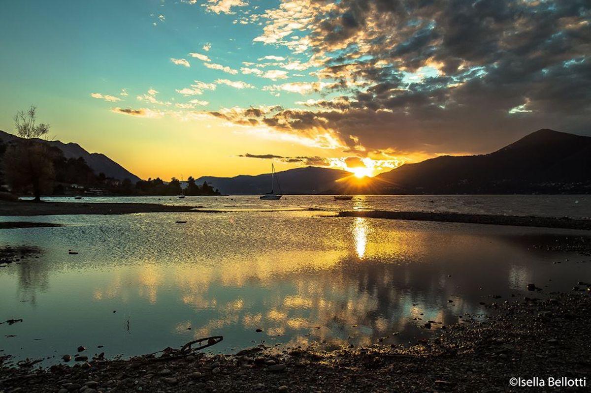 Buona domenica con la foto di Isella Bellotti, il lago verso Germignaga