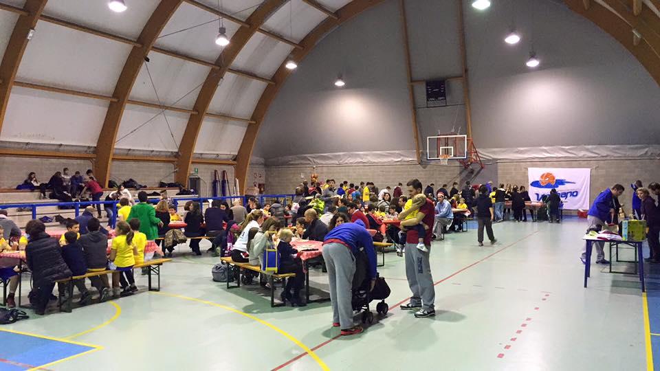 Grande partecipazione per la Festa di Natale della Pallacanestro Verbano Luino (Foto © Staff)