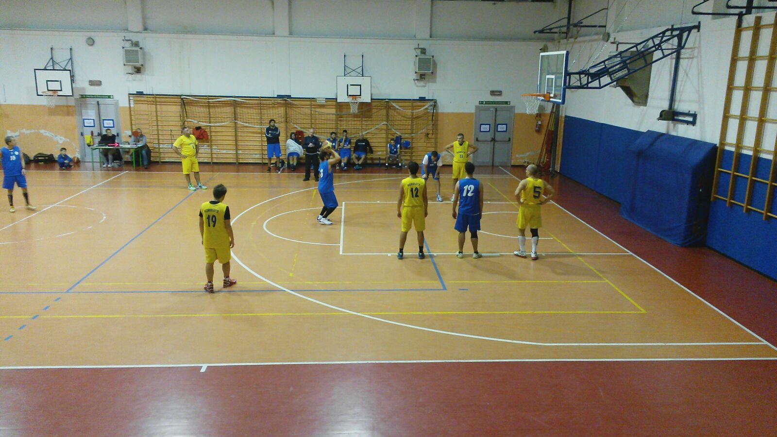 Il Basket Verbano torna alla vittoria trascinata da Manfrè: contro Bobbiate finisce 70-60 (Foto © Danilo Cambianica)