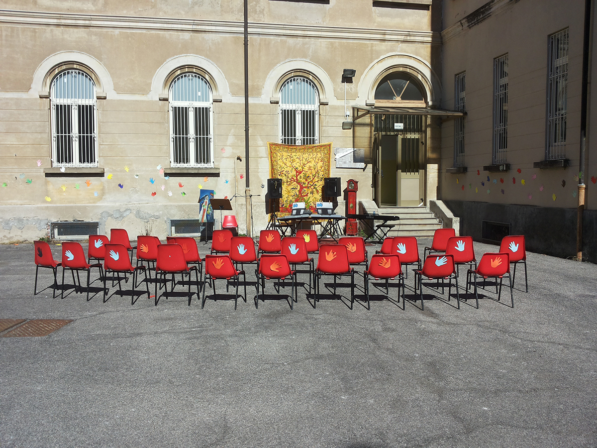 """""""Medie"""" di Luino, grande successo per """"Giù le mani dalla nostra scuola"""". Raccolta fondi oltre le previsioni"""