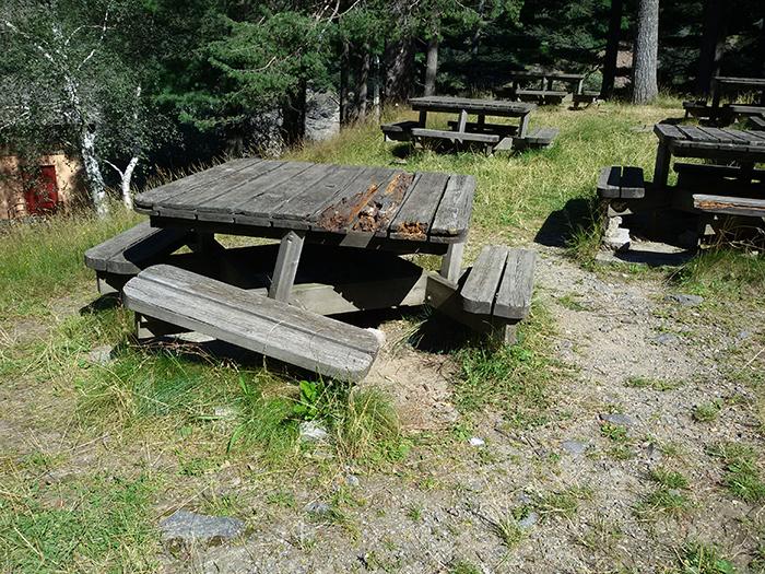 """""""Nel luinese grave incuria in alcune aree attrezzate per il picnic. Niente Ferragosto fuori porta"""""""