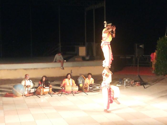 """Le """"Antiche arti indiane"""" di scena ieri sera a Germignaga per valorizzare culture diverse dalla nostra"""