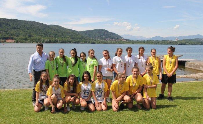 Gli studenti di Lavena Ponte Tresa e Roggiano alla fase regionale GSS con la Canottieri Luino