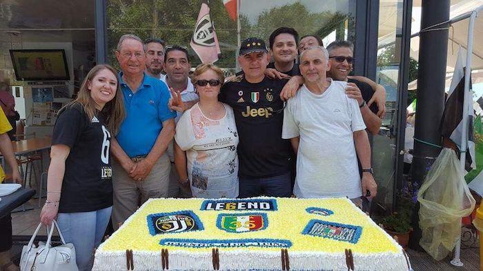 Torta e festeggiamenti per lo Juventus Club Luino, ecco i numeri vincenti della lotteria