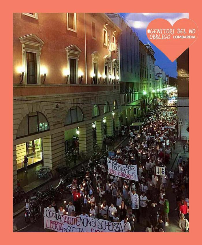 Domani sera a Varese una fiaccolata per la libertà di scelta vaccinale