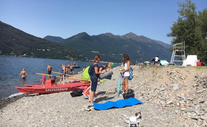 Il grande lavoro dei bagnini al Parco Giona di Maccagno tra salvataggi in acqua ed interventi in spiaggia