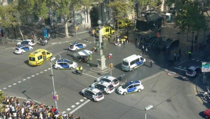 Barcellona, furgone sulla folla. L'incubo dei salernitani sulla Rambla