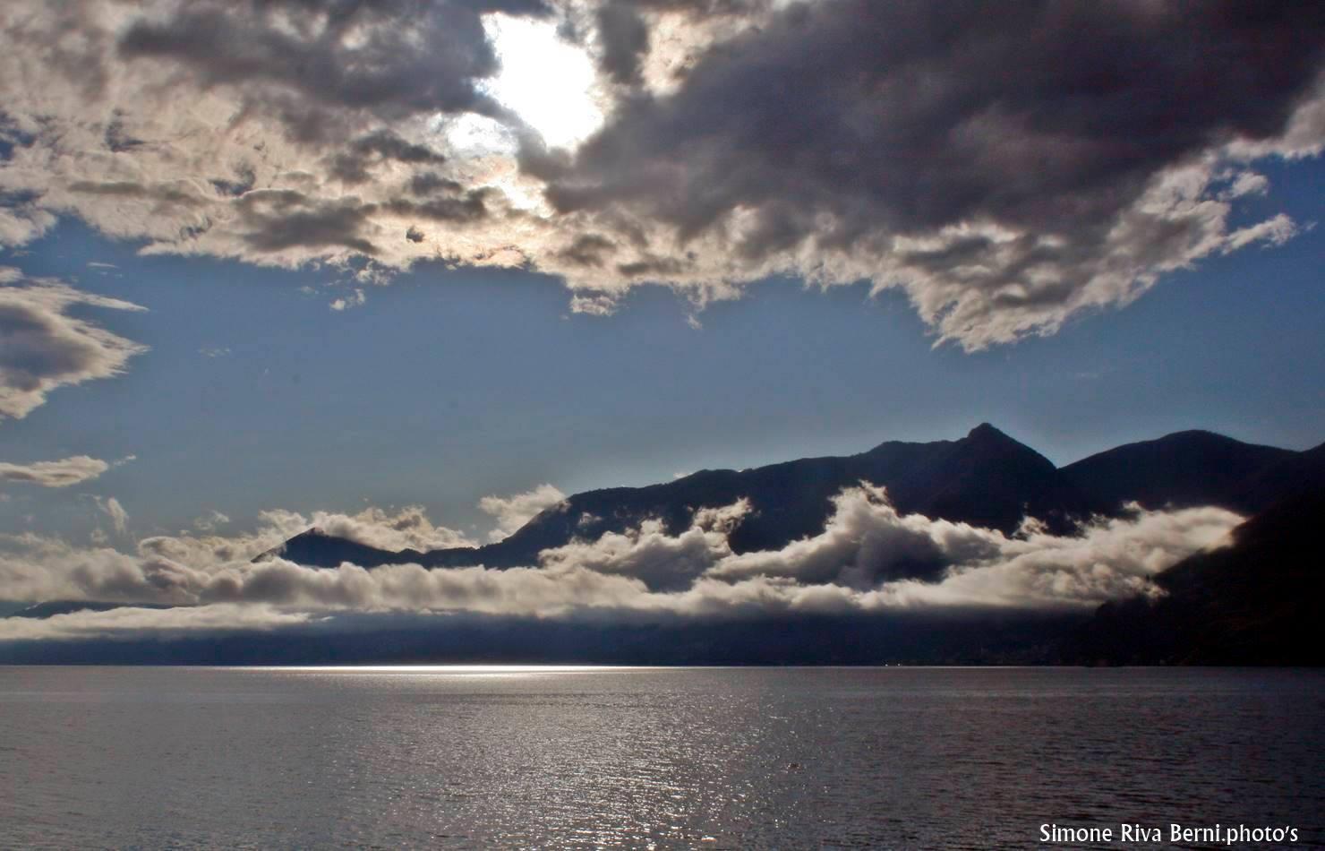 La magia delle nuvole a Maccagno sul lago Maggiore