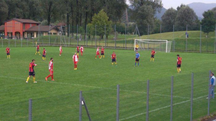 Un doppio Cortez regala la vittoria al Luino-Maccagno, Casbeno sconfitto 2-1