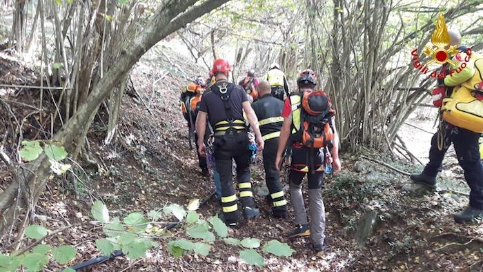 Castelveccana: scivola in un canalone sul monte San Michele, salvato 80enne