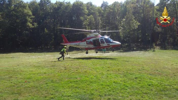 Cade al Campo dei Fiori, donna salvata dai soccorritori