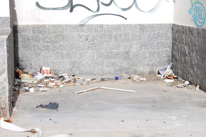 Stazione di Luino, degrado e stato di abbandono nell'area dell'ex Ferrhotel