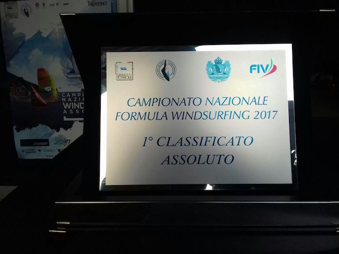 Il luinese Christopher Frank si laurea Campione d'Italia di Formula Windsurfing