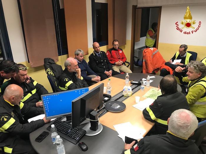 Incendio Campo dei Fiori, anche oggi operazioni senza sosta. Domani aumento del personale