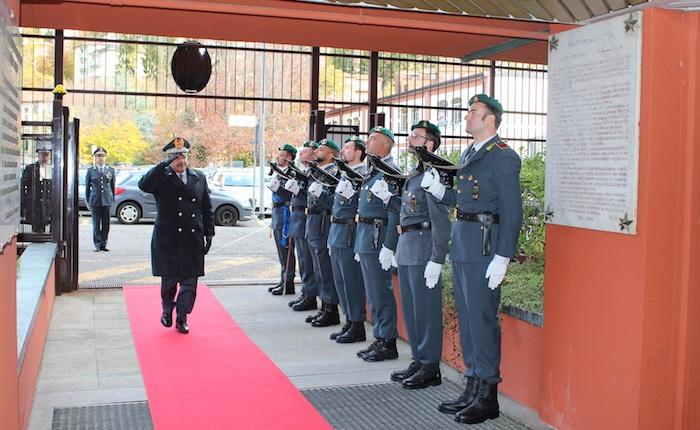 Guardia di Finanza, il Comandante Interregionale Vicanolo visita la sede di Varese