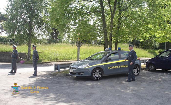 Traffico di stupefacenti, in arresto quattro persone al confine. Sequestrati 8kg di marijuana