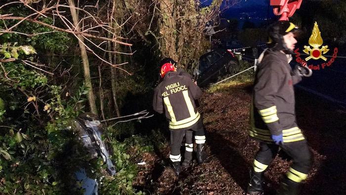 Due incidenti in poco tempo a Brezzo di Bedero. Un 23enne ed un 19enne finiscono in Ospedale