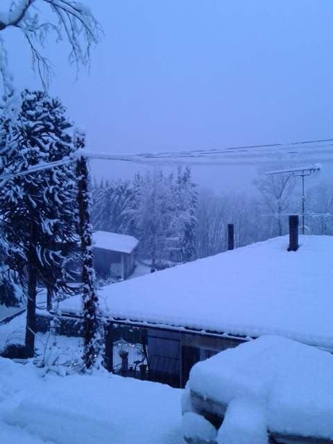 Torna la neve anche a bassa quota sull'Alto Varesotto, 30cm circa in Veddasca