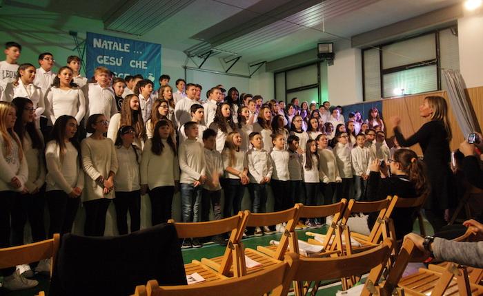 Natale, alunni e famiglie dell'Educandato di Roggiano insieme per auguri e solidarietà