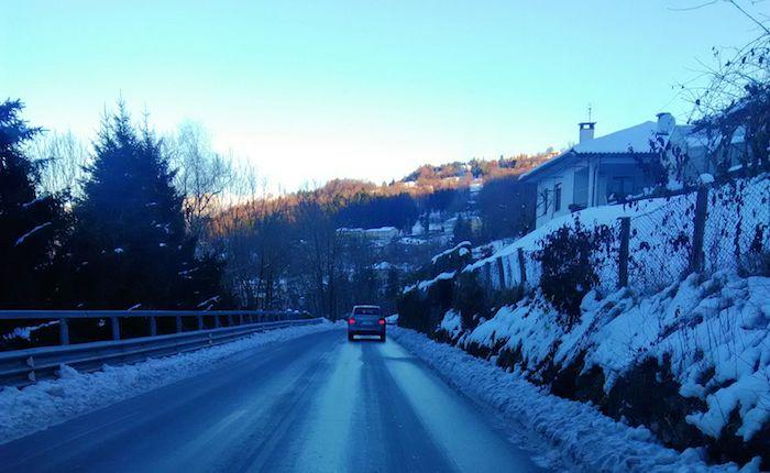 Strade ghiacciate, grandi rallentamenti sulla Grantola-Cunardo