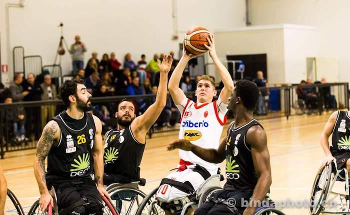 Basket in carrozzina, sconfitta a Roma per la Cimberio Handicap Sport Varese