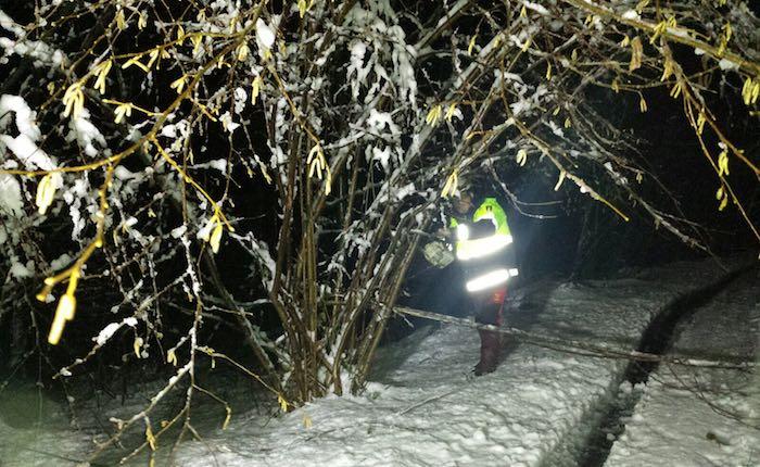 Neve, riaperta la strada tra Luino e Cremenaga. Smottamento nella notte ad Arcumeggia