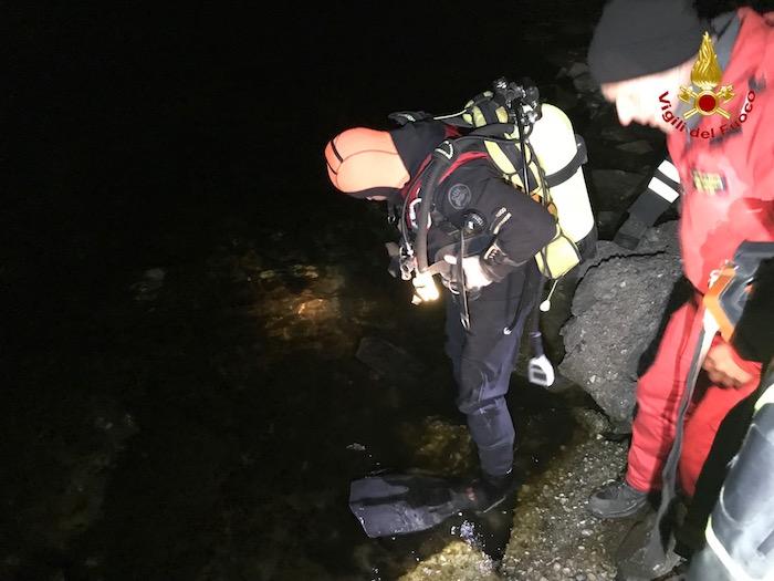 Luino, è di un uomo il cadavere trovato nelle acque del lago