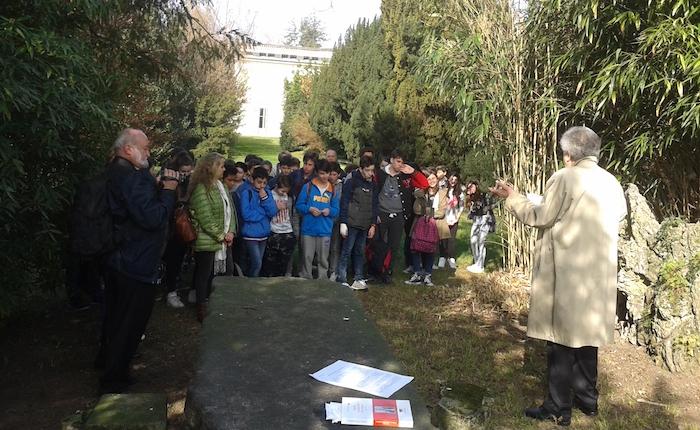 I ragazzi delle Scuole Medie di Luino e di Dumenza alla Festa dell'Unità d'Italia e della bandiera tricolore