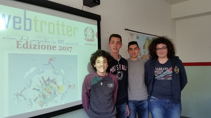 """""""Electronics Web Trotter"""", quattro studenti dell'I.S.I.S. """"C. Volonté"""" portano in alto il nome di Luino"""