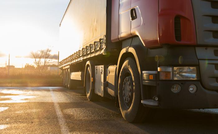 Dramma alla Sanità: camionista muore schiacciato dal mezzo