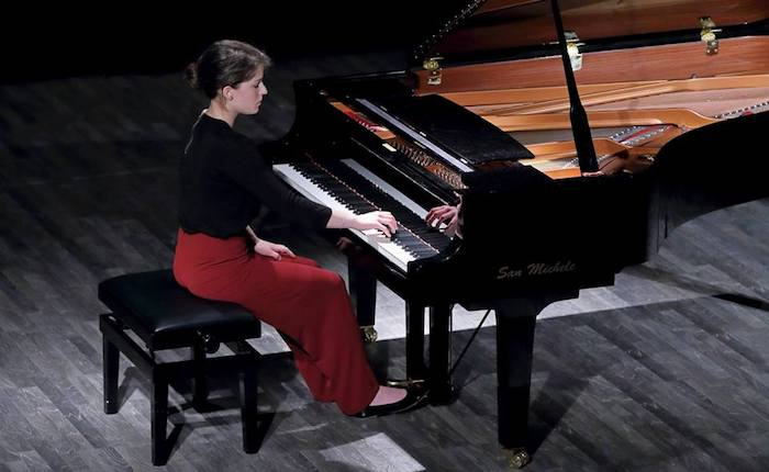 Porto Ceresio, concerto per pianoforte della giovane Anna Bottani