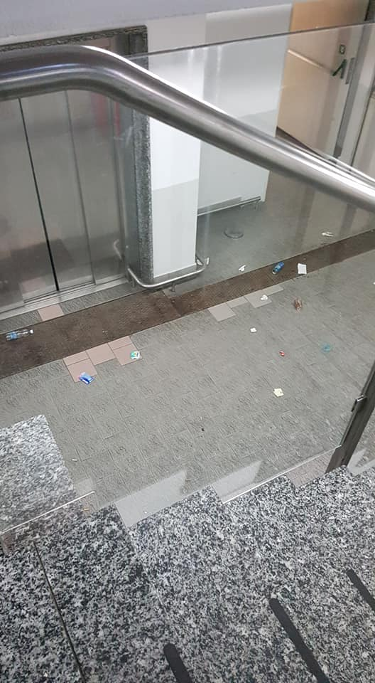 Ancora atti vandalici ed inciviltà in centro a Luino. I cittadini chiedono la videosorveglianza