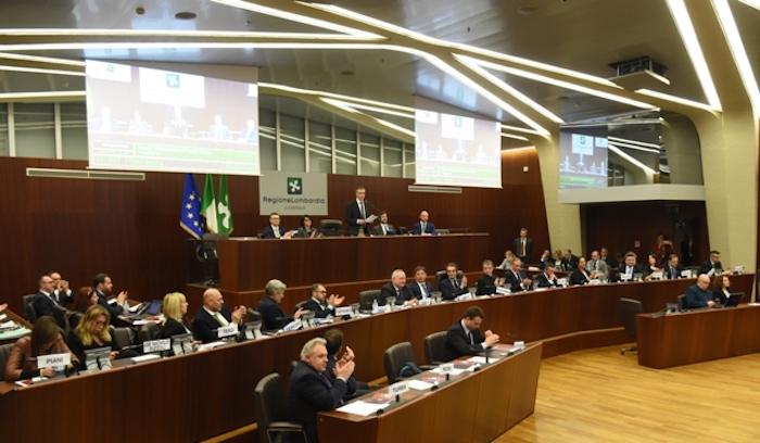 Regione Lombardia: al via l'XI legislatura, Fermi nuovo presidente del Consiglio regionale