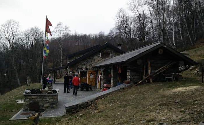 Alpe Bovis, domenica escursione dei Giovani Leghisti per sostenere il rifugio