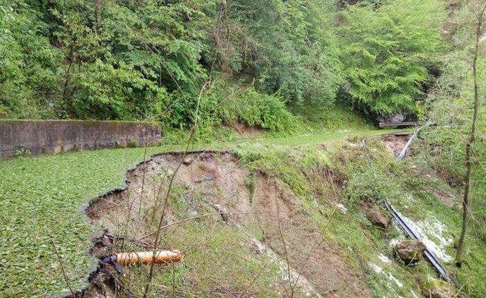 Crollata la strada tra Cremenaga e Biviglione. Si contano i danni anche a Germignaga