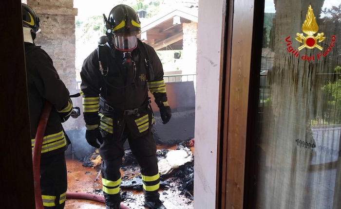 Incendio in un appartamento di Brusimpiano