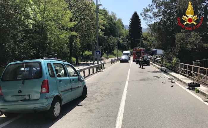 Incidente tra Luino e Porto, coinvolte due ragazze. Disagi alla circolazione