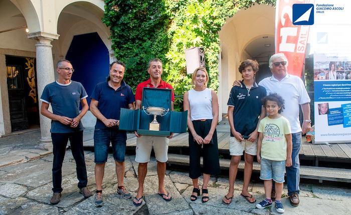 Vela e solidarietà, il luinese Flavio Favini vince il Trofeo