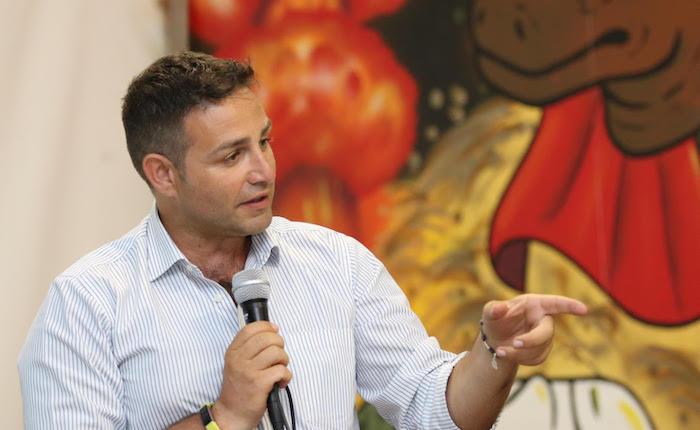 Il PD riparte da Varese: appello all'unità, oggi Maurizio Martina nuovo segretario