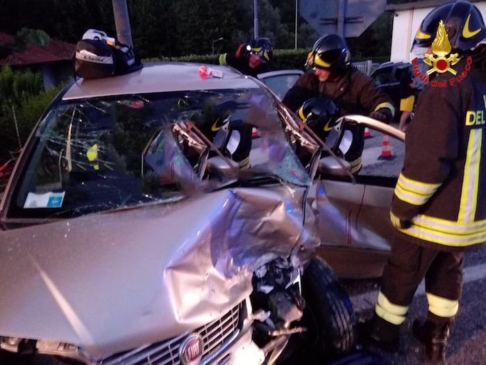 Incidente sulla statale a Mesenzana: quattro persone coinvolte, anche una 16enne ed un 27enne