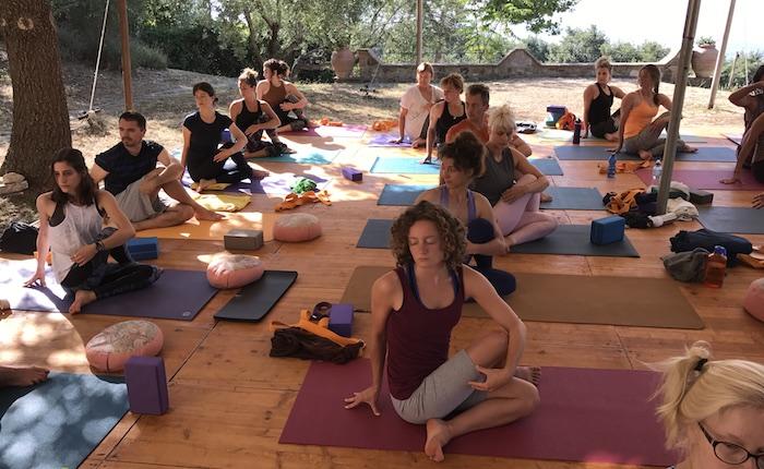 Corso di yoga a Luino,