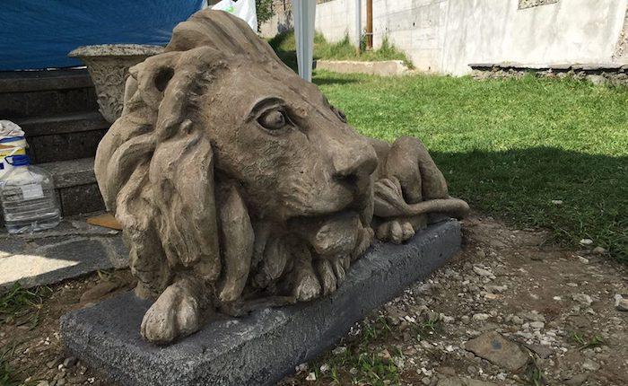 Maccagno, il leone di del Monumento ai Caduti di Graglio torna al suo posto